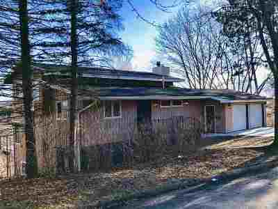 Wausau Single Family Home Active - With Offer: 1007 Greenhill Drive