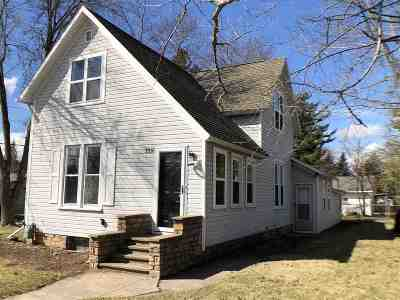 Stevens Point Single Family Home Active - With Offer: 2316 Jefferson Street