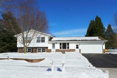 Medford WI Single Family Home Active - With Offer: $139,500
