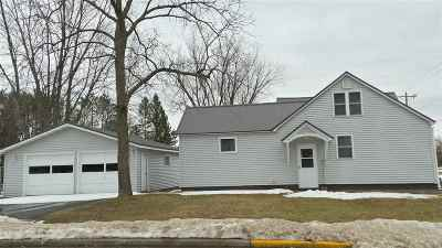 Medford WI Single Family Home Active - With Offer: $82,000