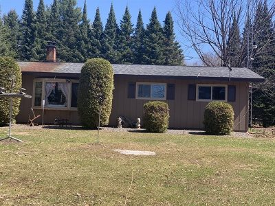 Merrill Single Family Home Active - With Offer: N2333 Vista Drive