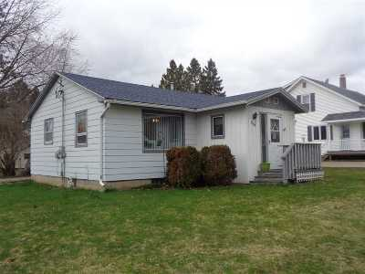 Medford WI Single Family Home Active - With Offer: $69,900