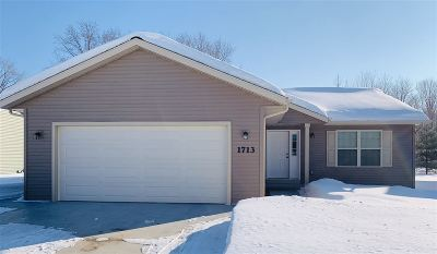 Weston Single Family Home Active - With Offer: 9303 Christie Lane