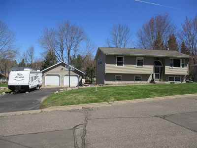 Medford WI Single Family Home For Sale: $164,900