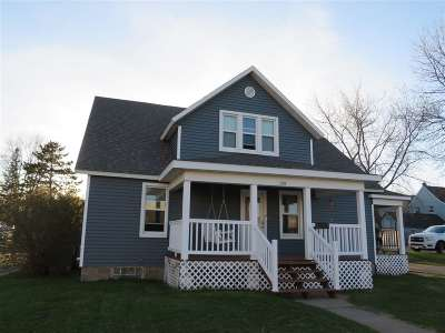 Merrill Single Family Home Active - With Offer: 108 Blaine Street
