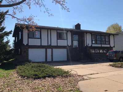 Wausau Single Family Home Active - With Offer: 3919 Pine Cone Lane
