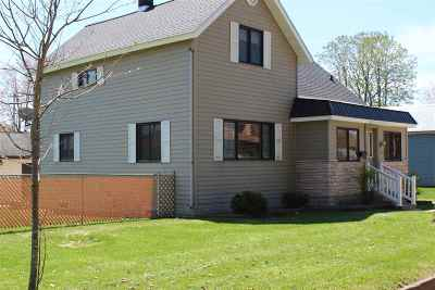 Merrill Single Family Home Active - With Offer: 1207 Mathews Street