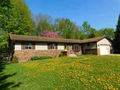 Merrill Single Family Home Active - With Offer: 712 Tee Lane Drive