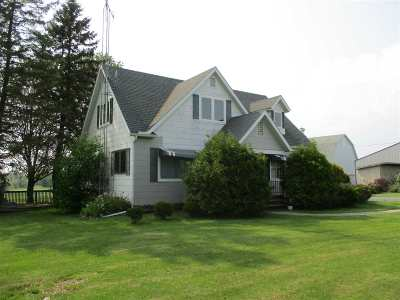 Medford WI Single Family Home Active-Bump: $229,900