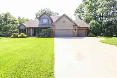 Stevens Point Single Family Home Active - With Offer: 1466 Skyline Drive