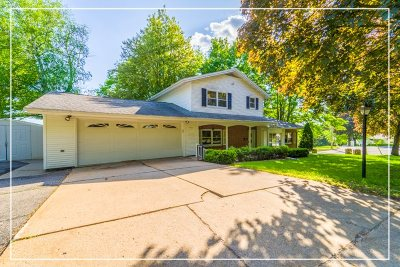 Wausau WI Single Family Home Active - With Offer: $149,987