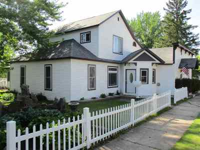 Medford Single Family Home For Sale: 117 N Third Street