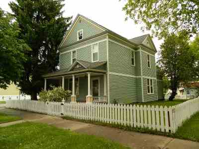 Single Family Home For Sale: 502 Adams Street