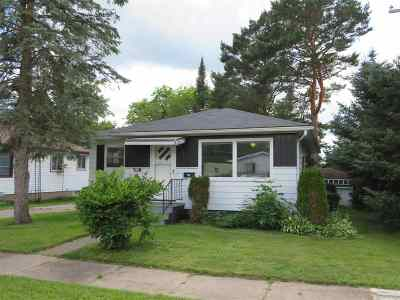 Merrill Single Family Home For Sale: 716 Superior Street