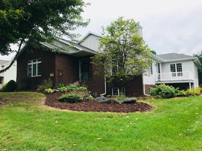 Weston Single Family Home Active - With Offer: 3108 Warwick Drive