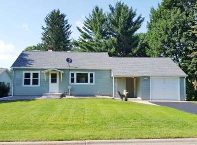 Iola Single Family Home Active - With Offer: 415 E Ellefson Street