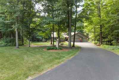 Mosinee Single Family Home Active - With Offer: 146680 Whispering Oaks Trail
