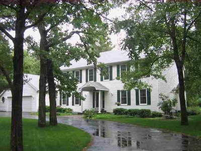 Wisconsin Rapids Single Family Home Active - With Offer: 4331 Woodhaven Lane