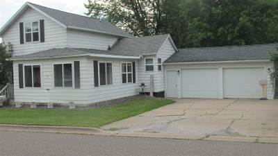 Medford Single Family Home Active - With Offer: 219 E Lincoln Street