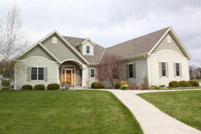 Cedarburg WI Single Family Home For Sale: $459,900