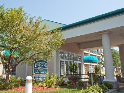 Lake Geneva Condo/Townhouse For Sale: 111 Center St #431