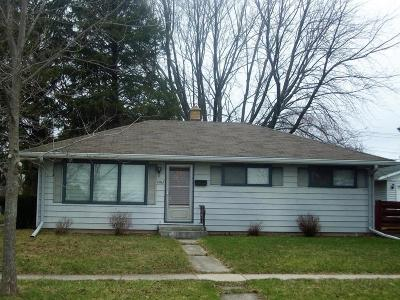 Ozaukee County Single Family Home For Sale: 1003 Benjamin St