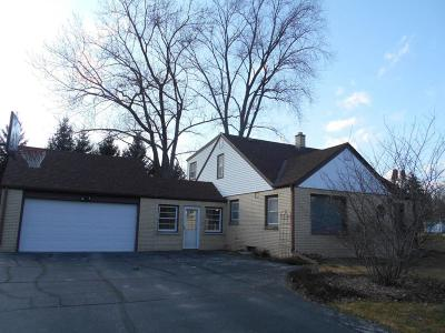 Brookfield Single Family Home Active Contingent With Offer: 4425 N 134th St