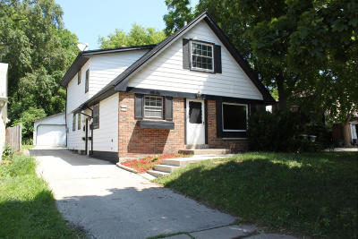 Wauwatosa WI Two Family Home Sold: $205,000