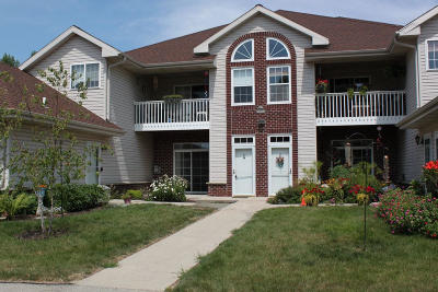 Nashotah WI Condo/Townhouse Sold: $149,900
