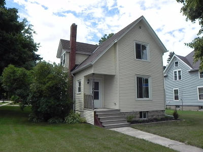 Single Family Home Sold: 401 S 5th St
