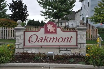Waukesha Single Family Home For Sale: 508 Oakmont Dr