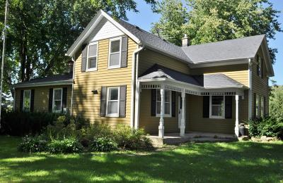Jackson WI Single Family Home For Sale: $489,000