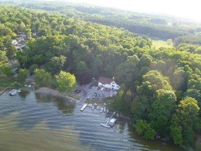 Single Family Home For Sale: 1571 Lake Dr