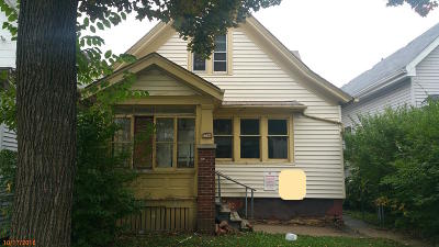 Milwaukee Single Family Home For Sale: 3566 N 10th St