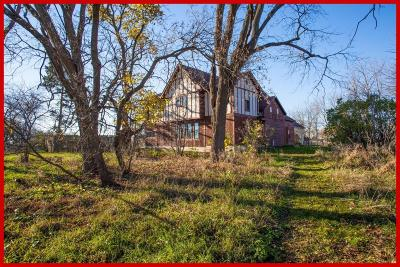 Lake Mills Single Family Home Active Contingent With Offer: N5207 State Road 89