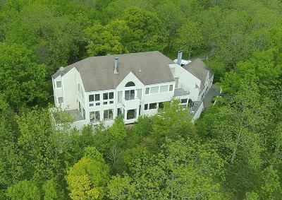 Waukesha Single Family Home For Sale: N4w31051 Cherokee Trl