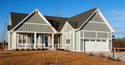 Cedarburg Single Family Home For Sale: W59n1153 James Cir #Lt1