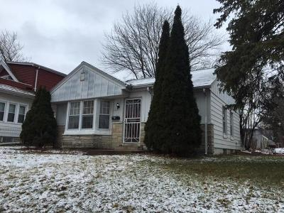 Milwaukee Single Family Home For Sale: 4463 N 36th St