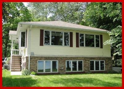Lake Mills Single Family Home Active Contingent With Offer: W8204 Elm Point Rd