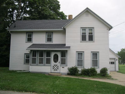 Lake Mills Single Family Home For Sale: 524 W Madison St