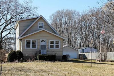 Pleasant Prairie Single Family Home For Sale: 8964 Cooper Rd