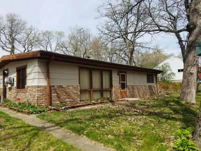 Single Family Home For Sale: W351s10235 Lake Dr