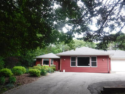 Cambridge Single Family Home For Sale: N4452 Whispering Pines Ln