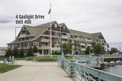 Racine County Condo/Townhouse For Sale: 4 Gaslight Dr #406