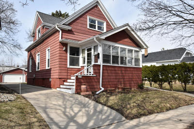 West Allis Single Family Home For Sale: 1553 S 83rd St