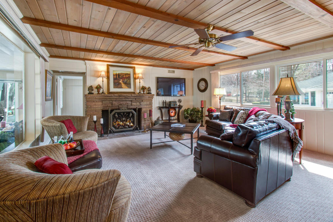 Listing N1603 Shore Haven Dr Fontana WI