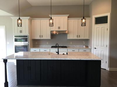 Ozaukee County Single Family Home For Sale: N47w7750 Parkland Rd