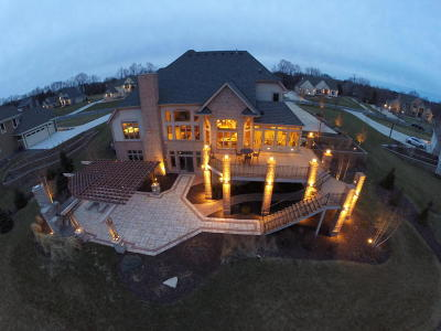 Mequon Single Family Home For Sale: 6925 W Oakview Ct