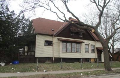 Milwaukee Single Family Home For Sale: 3252 N 11th St