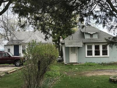 Kenosha County Multi Family Home For Sale: 885 Sheridan Rd #901
